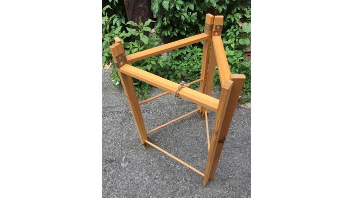 Structure de bois franc pliable (petite)