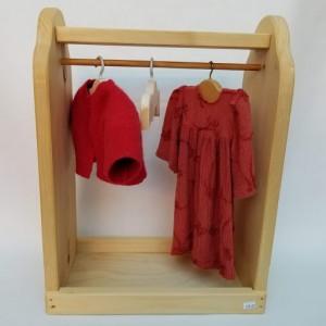 Garde-robe de poupée